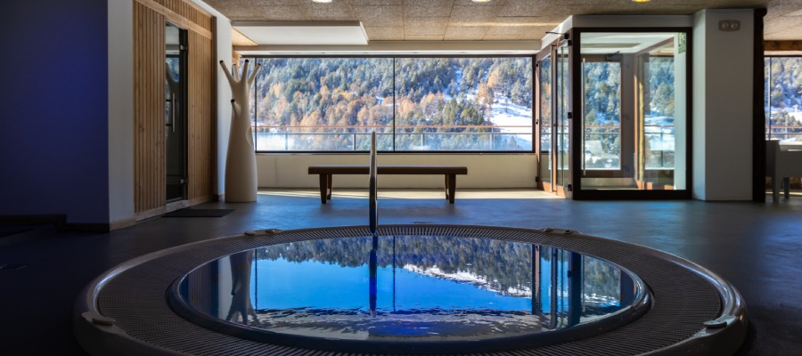 Jacuzzi Els Llacs Mountain apartments